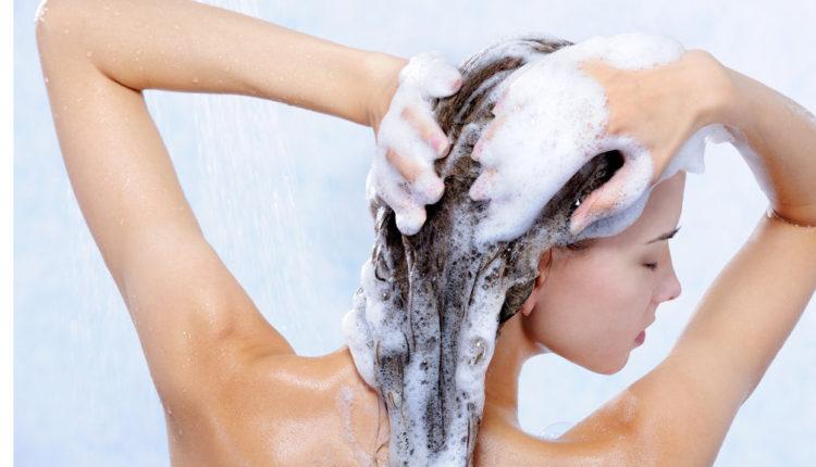 Không nên gội đầu trong vòng 3 ngày sau khi làm tóc
