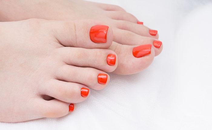 Mẫu móng màu cam nổi bật