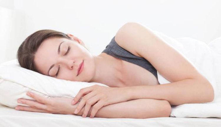 Nên sinh hoạt điều độ, ngủ đủ giấc