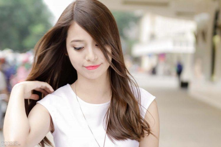 Kiểu tóc mái dài