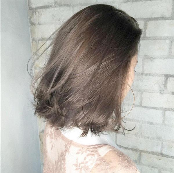 Tóc lob màu nâu khói cũng là một lụa chọn không tồi