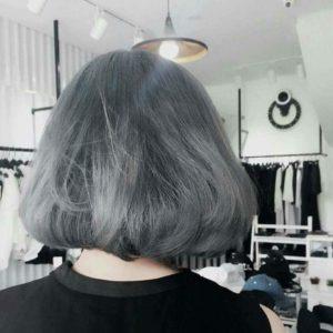 Tóc ngắn màu xám tro khói