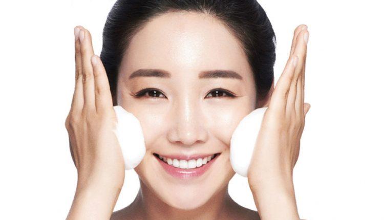Chọn một chất tẩy rủa phù hợp cho da mụn của bạn