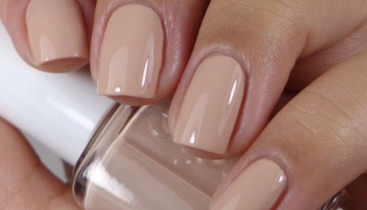 Màu nude nails