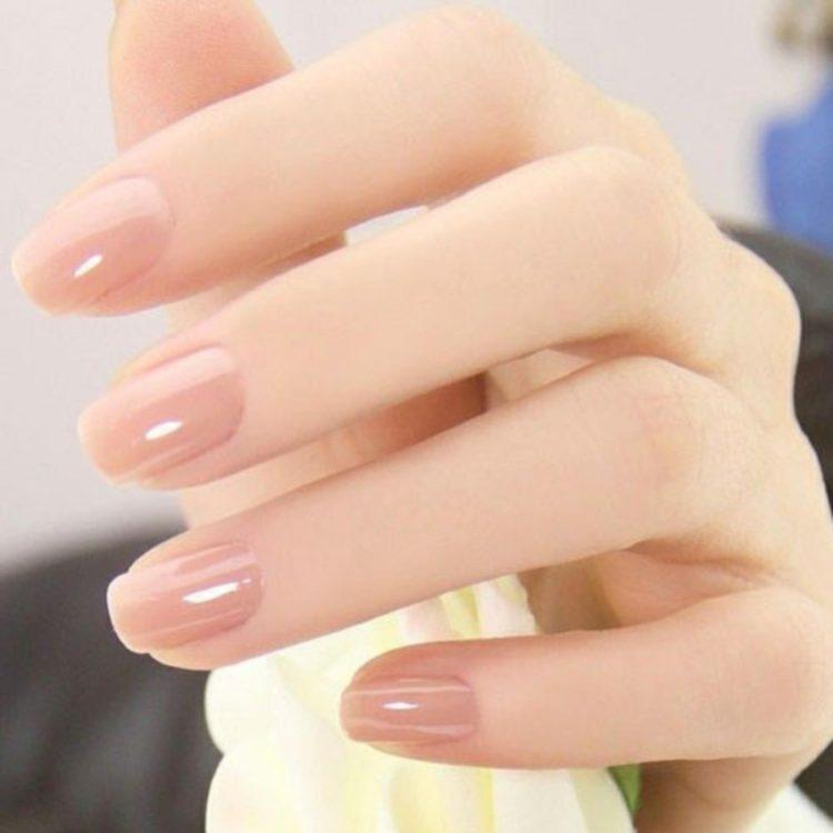 Màu sơn nude nails 2