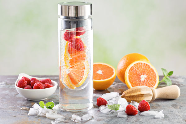Cam và dâu tằm chứa nhiều vitamin C giúp chống lão hóa