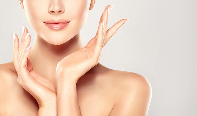 Chăm sóc da với các sản phẩm nhẹ, không làm tổn thương da