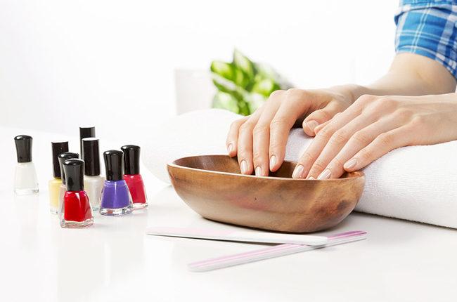 Cách chăm sóc móng tay tại nhà