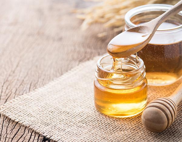 Các tinh chất có trong mật ong rất tốt cho da