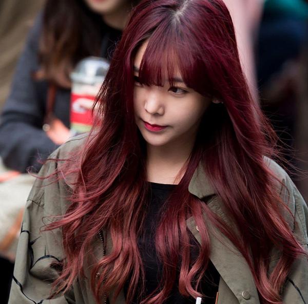 Màu hung đỏ cho cô nàng phá cách