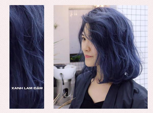Màu xanh lam đậm không dễ bị đụng hàng
