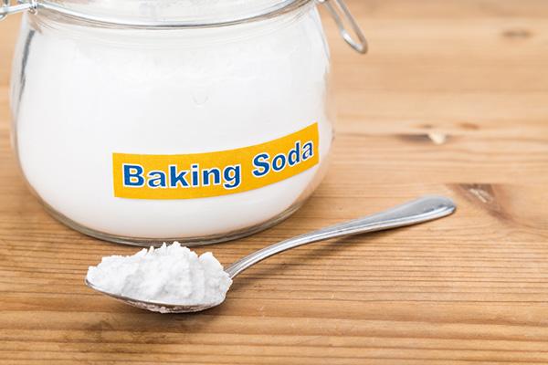 Baking soda là chất tẩy rửa cực kỳ tốt có thể thực hiện trên làn da