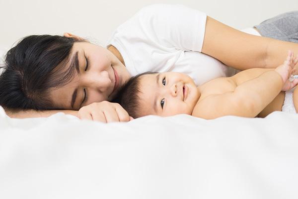 Chăm sóc da mặt sau sinh cho mẹ bỉm sữa