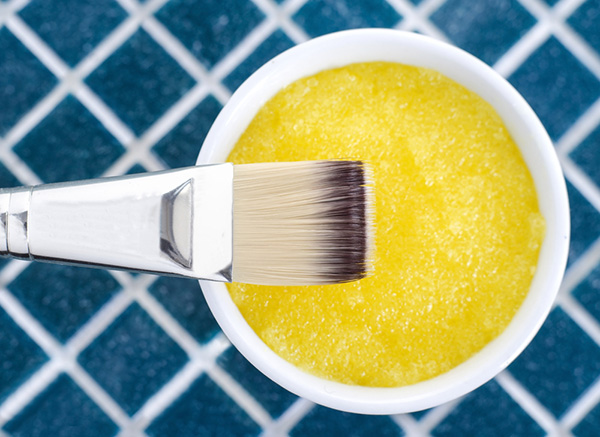 Hỗn hợp đường và mật ong tẩy da chết rất hiệu quả