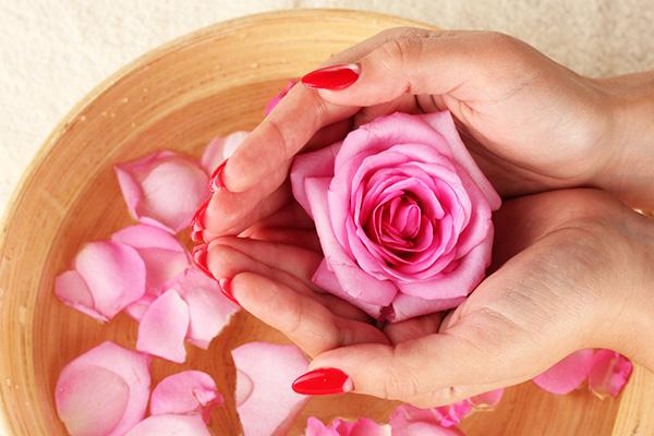 Cách sử dụng nước hoa hồng đúng chuẩn