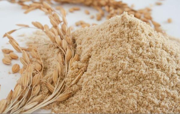 Cám gạo có tác dụng làm sạch da, ngăn ngừa các nguyên nhân gây mụn