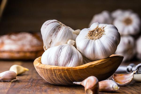 Trong tỏi có nhiều chất kháng viêm, dưỡng da rất tốt