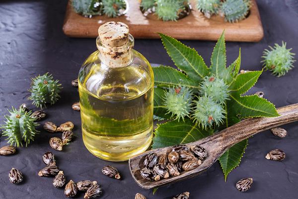 Tinh dầu thầu dầu trị rạn da sau sinh hiệu quả