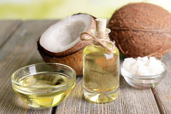 Dầu dừa có tác dụng dưỡng da, trị thâm nám hiệu quả