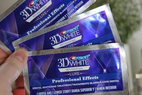 Review miếng dán trắng răng Crest 3D White qua từng ngày sử dụng