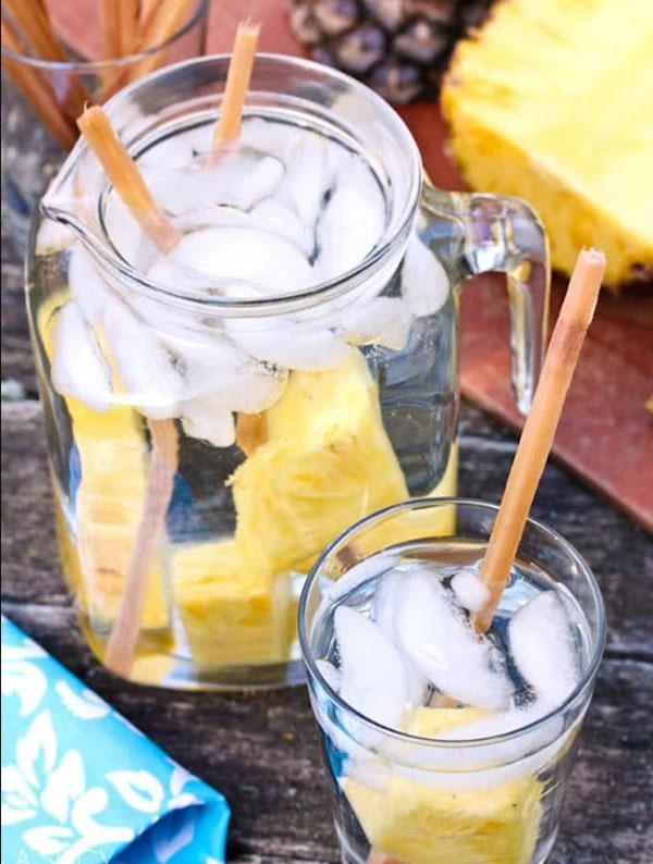 Nước detox từ mía và quả dứa