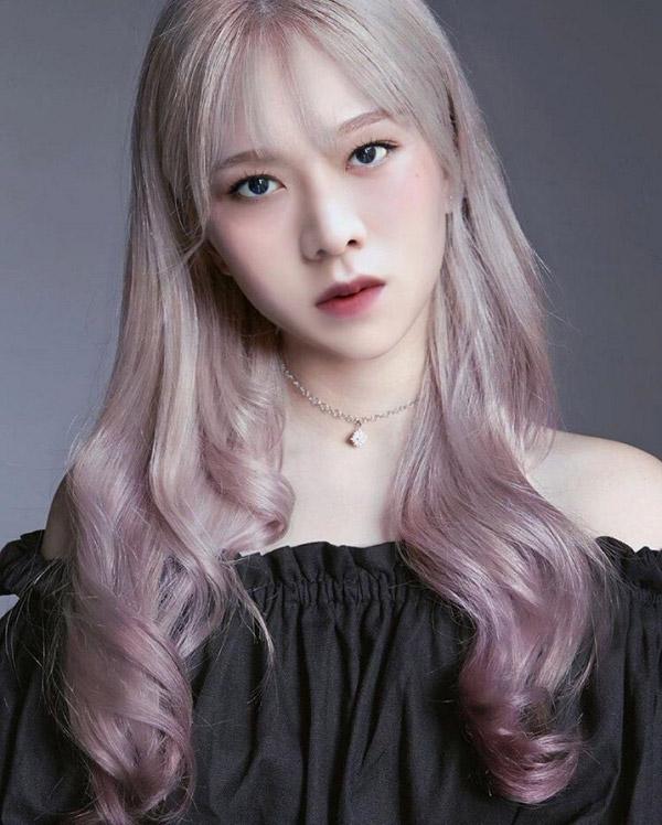 Tóc dài xám ombre hồng khói