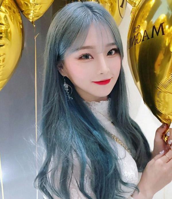 Tóc dài ombre xám xanh