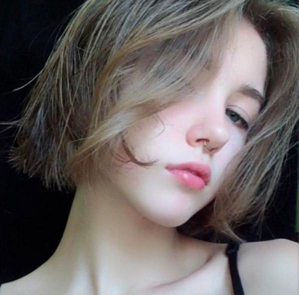 Tóc ngắn xám vàng khói