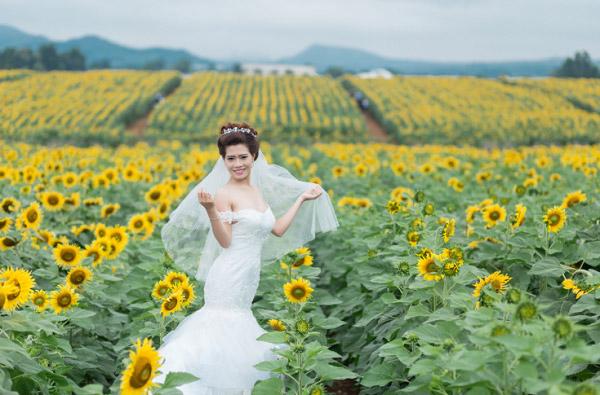 Cô dâu và hoa