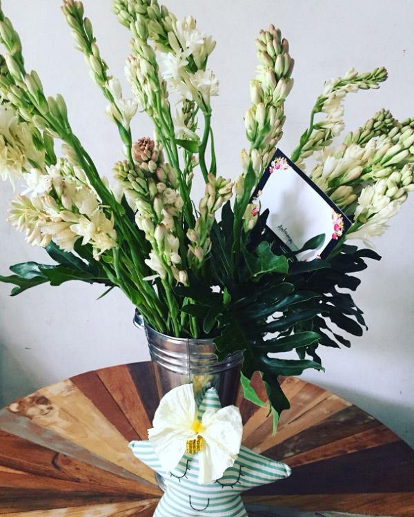 Bình hoa huệ đẹp