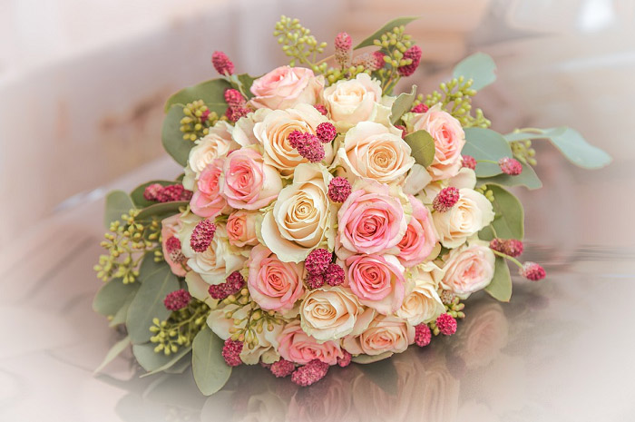 Bó hoa hồng cưới