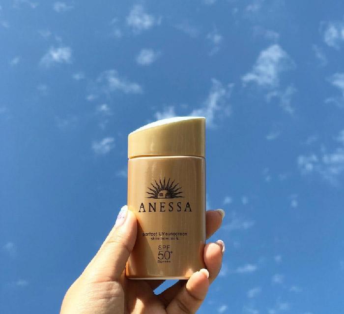 Kem chống nắng Anessa được đánh giá là một trong những sản phẩm chống nắng tốt nhất hiện nay