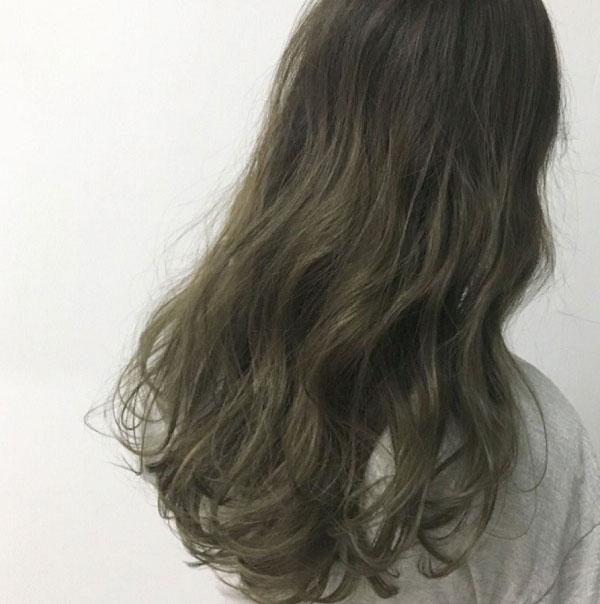 Tóc màu nâu rêu ánh khói