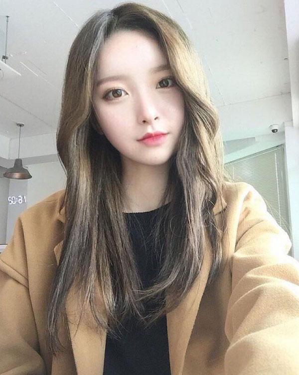 Tóc dài màu nâu rêu sáng