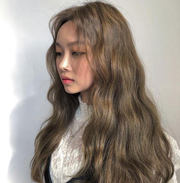 Tóc dài nâu tây ánh rêu uốn xoăn