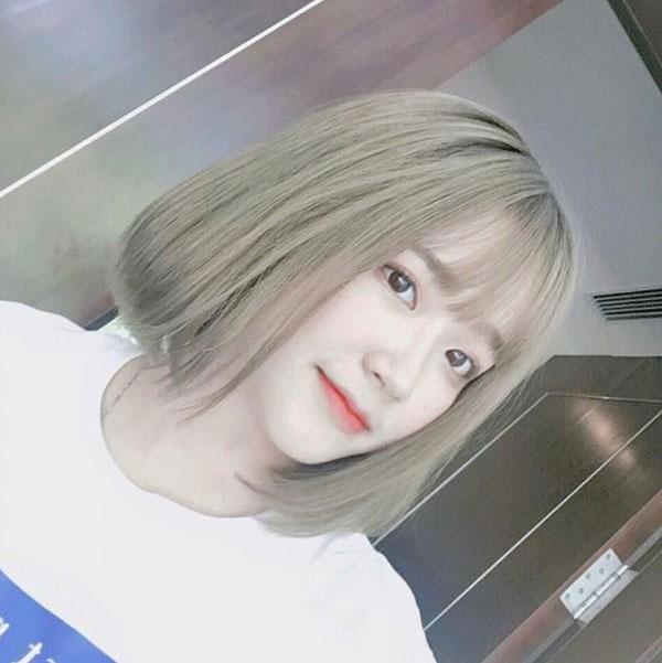 Mẫu tóc ngắn nâu rêu ánh kim đẹp