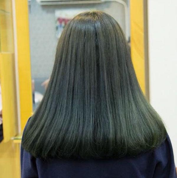 Nâu đen ánh xanh rêu