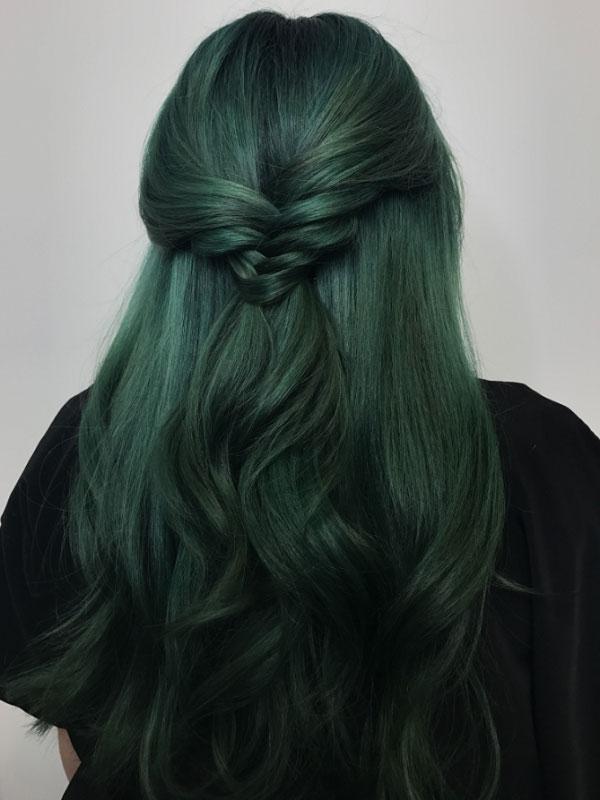 Màu xanh rêu trầm lạnh