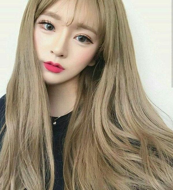 Tóc dài màu nâu vàng rêu