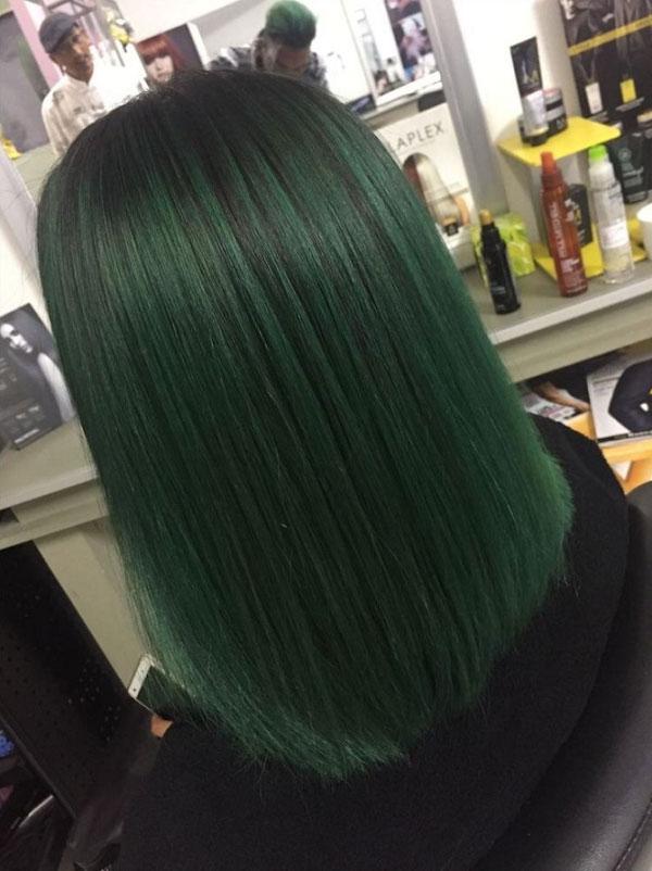 Tóc duỗi nhuộm xanh rêu